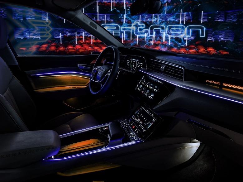 Концепт-кар Audi e-tron оборудован виртуальными зеркалами