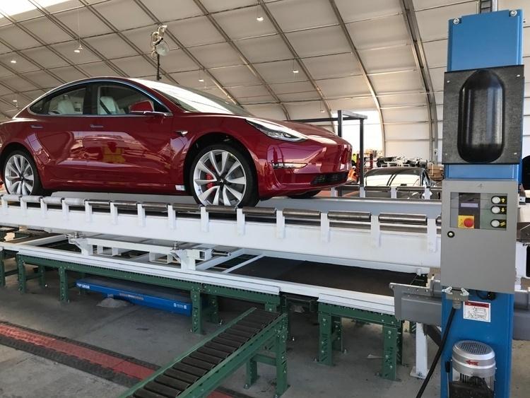 Слухи: Илон Маск отменил критически важные тесты на сборке Tesla Model 3