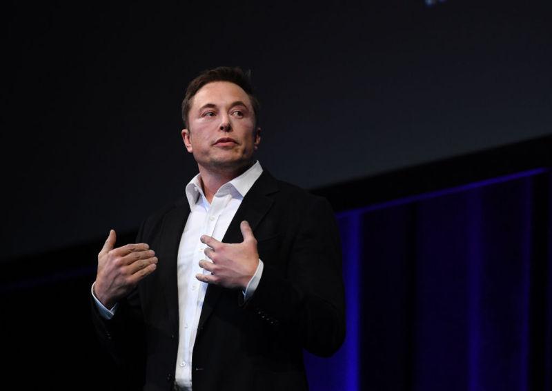 В SpaceX работают над созданием крохотной «подводной лодки» для спасения подростков из пещеры в Таиланде - 1