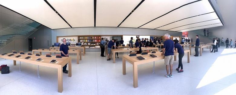 Украсть за 30 секунд. Четверо грабителей за полминуты украли 26 устройств из магазина Apple