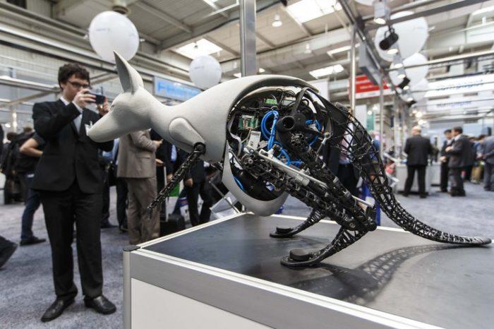 Бионические роботы Festo: пауки и осьминоги на фабриках будущего? - 1