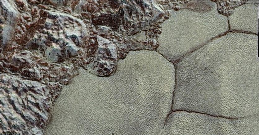 «Песчаные дюны» Плутона состоят не из песка – это гранулы замёрзшего метана - 2