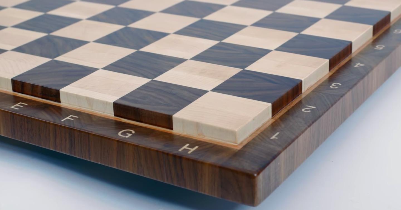 Как делают шахматные доски?