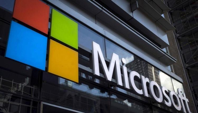 Ждать выхода смартфона Microsoft Surface в ближайшее время не стоит