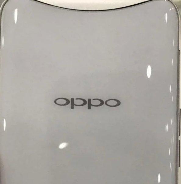Самый уникальный из современных смартфонов вскоре будет доступен в новом цвете