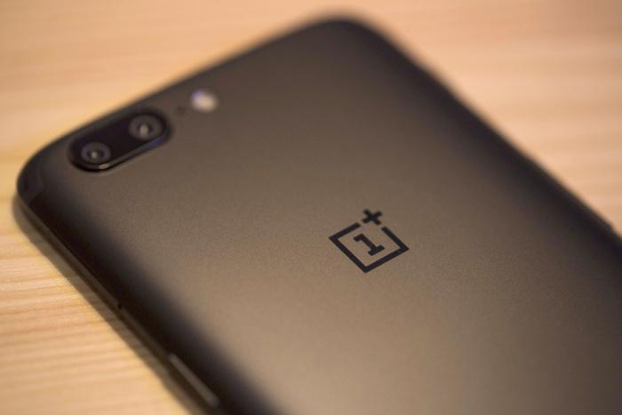 Смартфон OnePlus 7 получит поддержку сетей 5G