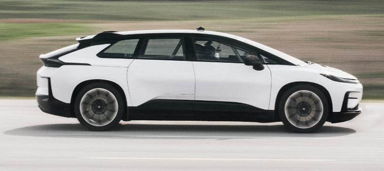 Faraday Future испытала на скорости до 250 км/ч свой первый электромобиль, планируя выпустить его в 2018 году
