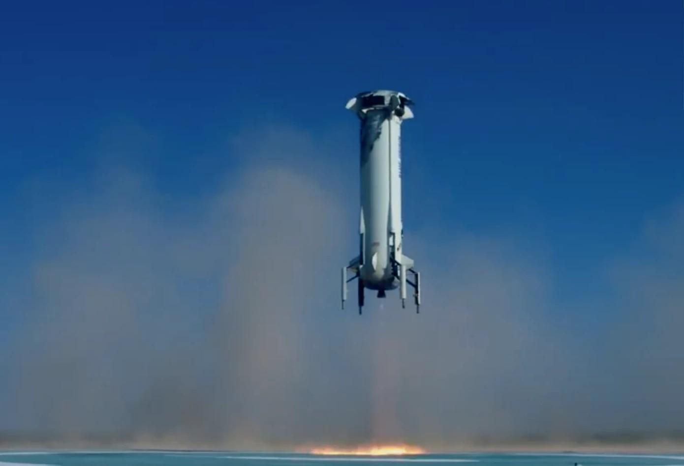 Blue Origin вернула на Землю и многоразовую ступень, и капсулу экипажа - 1