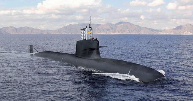Субмарина рекордной для Испании длины не вмещается в собственный док