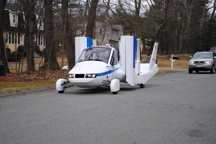 Летающий автомобиль Terrafugia поступит в продажу в 2019 году