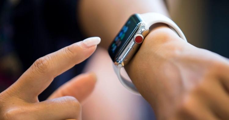 Введение пошлин на товары из Китая грозит ростом цен на Apple Watch и фитнес-трекеры FitBit