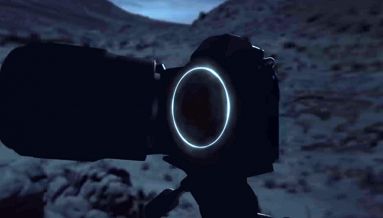 Nikon начинает артподготовку анонса беззеркальной камеры