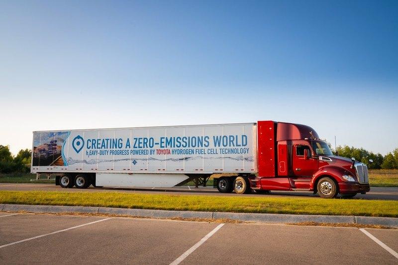 Toyota показала водородный грузовик Project Portal Beta