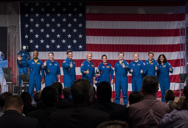 Сформированы экипажи для космических кораблей Boeing и SpaceX - 1
