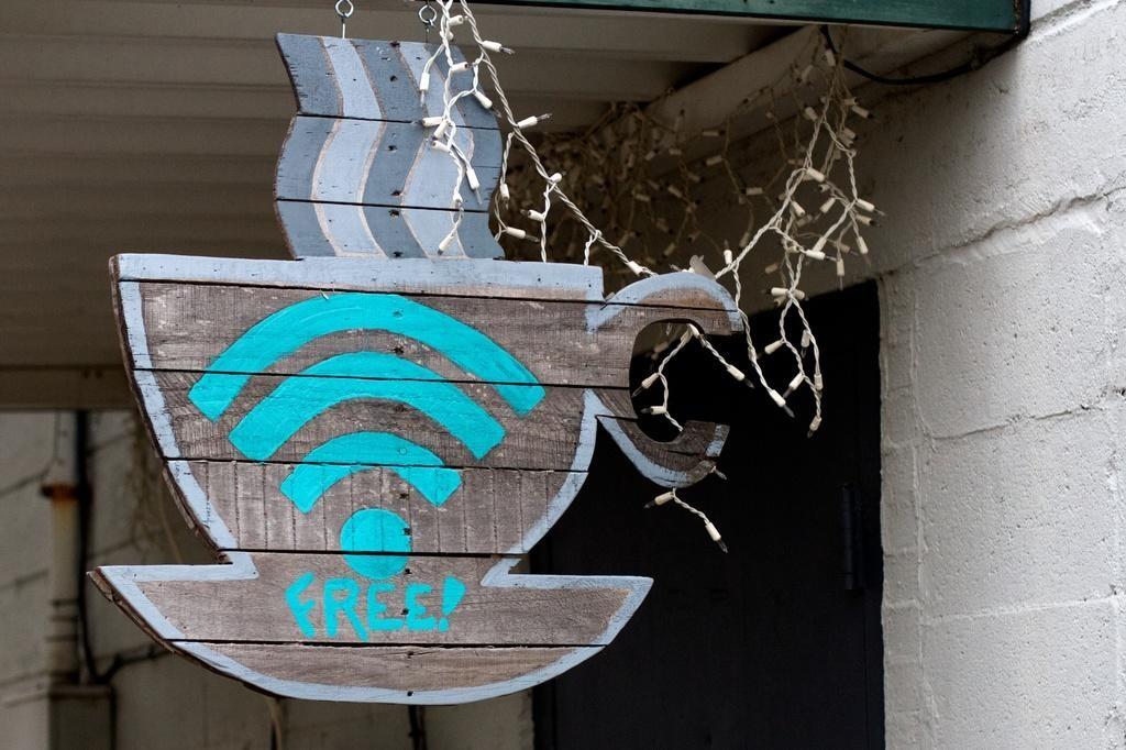 Free Wi-Fi: суд Германии отменил штрафы для кофеен за copyright-нарушения клиентов - 1