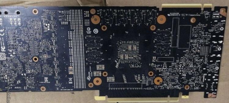 Графический процессор NVIDIA TU104 поколения Turing запечатлён на фото