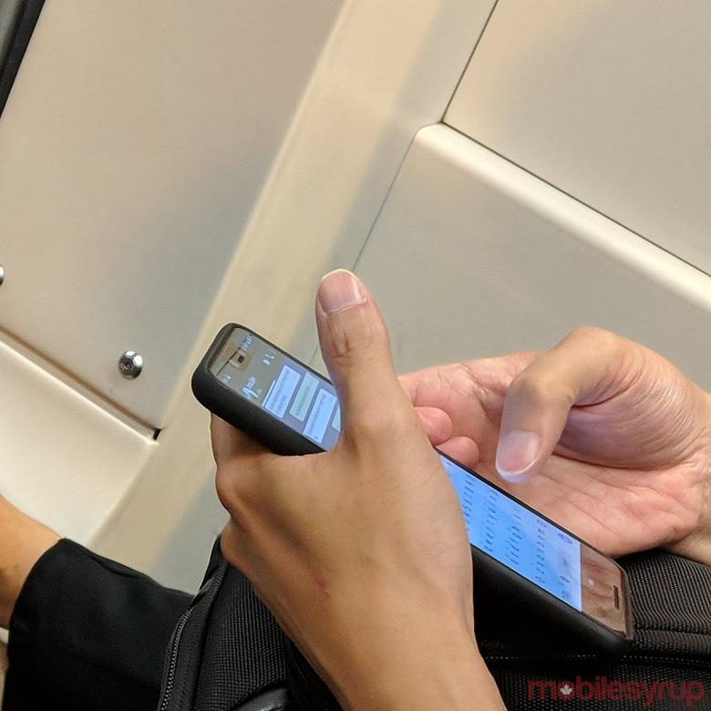 Смартфон Google Pixel 3 XL замечен в общественном транспорте