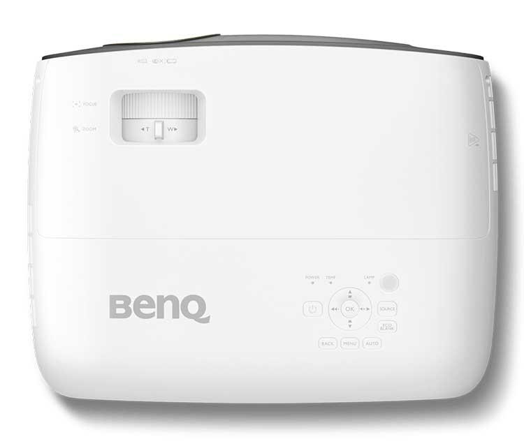 Проектор для дома BenQ W1700 назван лучшей покупкой 2018 года
