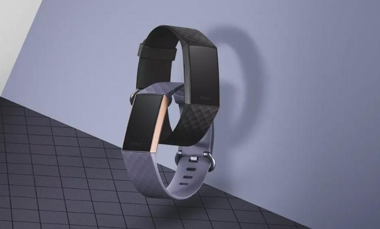 Фитнес-браслет Fitbit Charge 3 не боится погружений на глубину до 50 метров