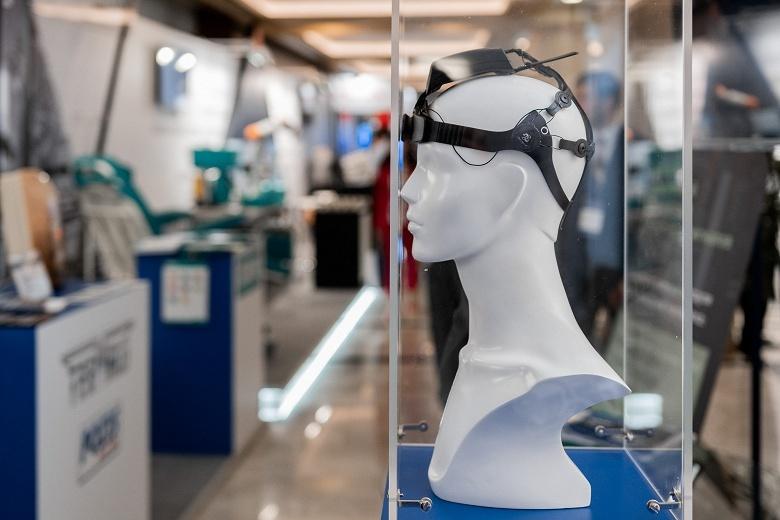 В России создан шлем для мысленного управления другими устройствами - 1