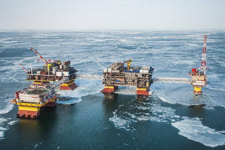 Спуск на воду элементов морских платформ. Часть 1 - 1