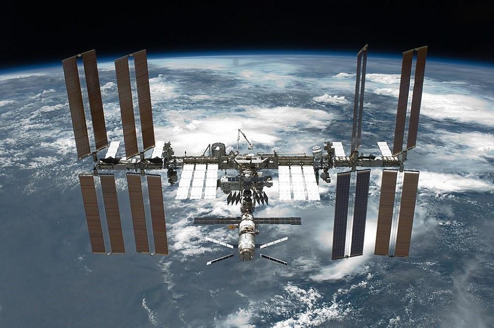 Made in space: кто будет делать оптоволокно на МКС - 1