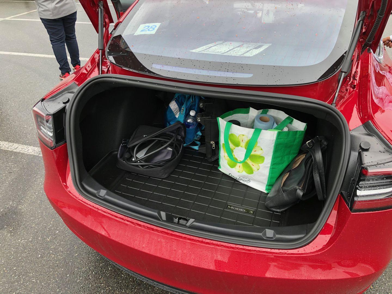 Тест-драйв VW e-Golf, Nissan Leaf и Tesla Model 3 - 16
