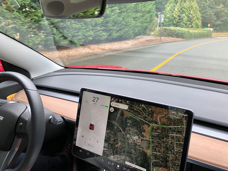 Тест-драйв VW e-Golf, Nissan Leaf и Tesla Model 3 - 18