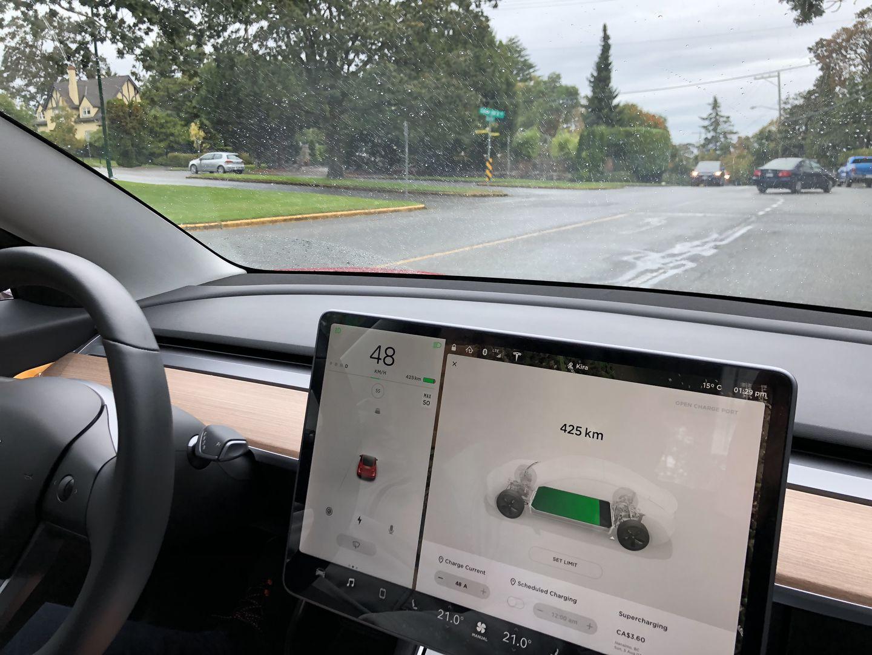 Тест-драйв VW e-Golf, Nissan Leaf и Tesla Model 3 - 19