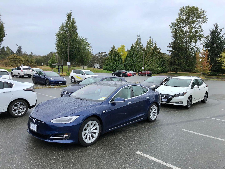 Тест-драйв VW e-Golf, Nissan Leaf и Tesla Model 3 - 3