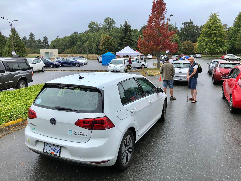 Тест-драйв VW e-Golf, Nissan Leaf и Tesla Model 3 - 4
