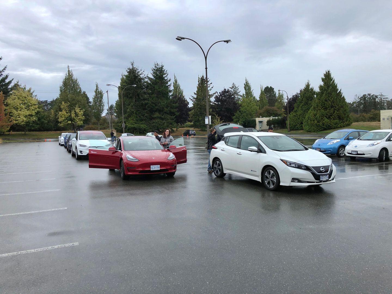 Тест-драйв VW e-Golf, Nissan Leaf и Tesla Model 3 - 7