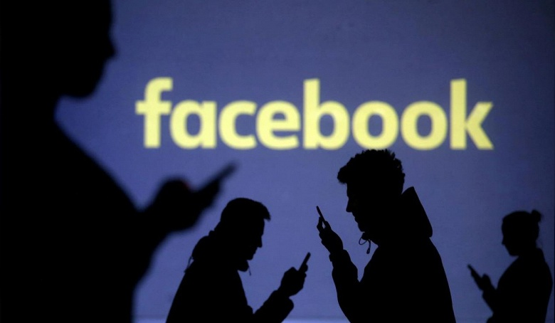 Еврокомиссия пригрозила Facebook и Twitter санкциями