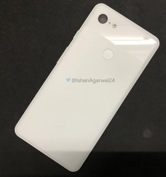 Фотогалерея дня: белый смартфон Pixel 3 XL с мятно-зеленой кнопкой включения