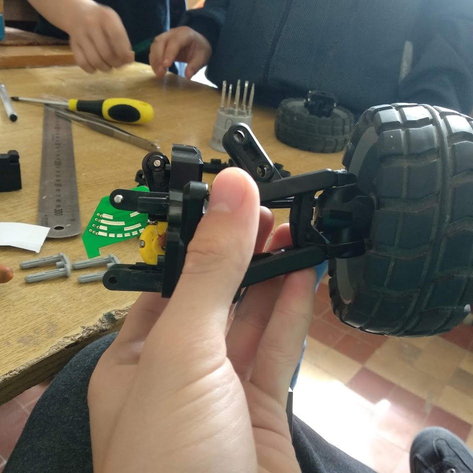Машинка на Arduino, управляемая Android-устройством по Bluetooth, — полный цикл (часть 1) - 5