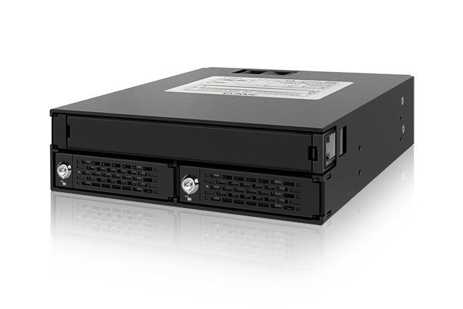 Icy Dock ToughArmor MB994IKO-3SB позволяет разместить в отсеке типоразмера 5,25 дюйма привод оптических дисков и два HDD или SSD