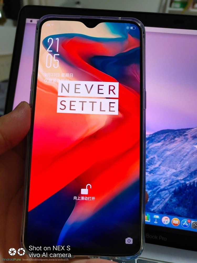 «Живые» фотографии раскрыли внешность смартфона OnePlus 6T