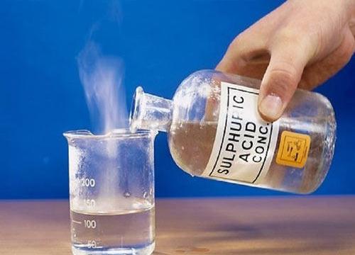 Кислоту в воду или воду в кислоту?