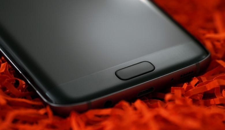 В ходе рождественского сезона 2018 ожидается антирекорд по продажам смартфонов