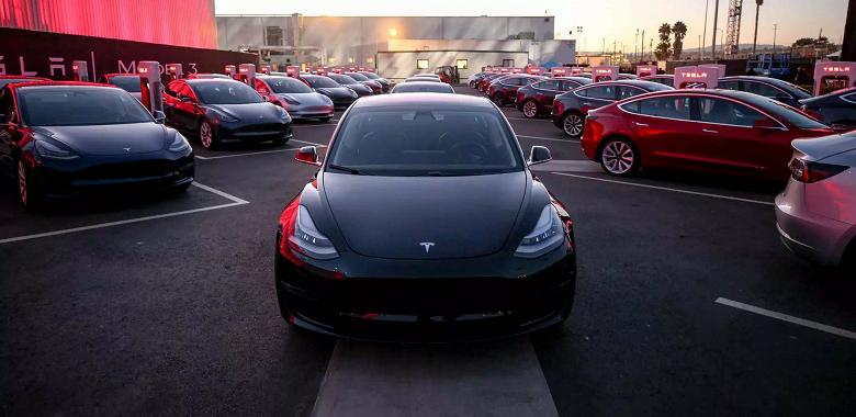 Tesla выпустила 100 000 электромобилей Tesla Model 3