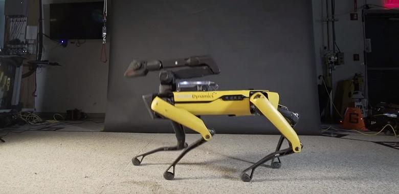 Видео дня: робот Boston Dynamics Spot танцует под фанк