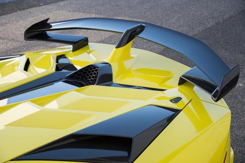 Как работает активная аэродинамика автомобиля?