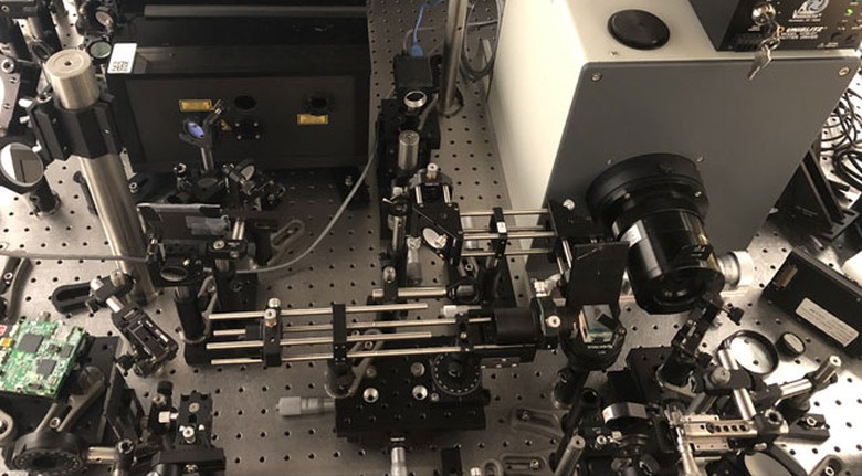 Самая быстрая в мире камера снимает 10 триллионов кадров в секунду - 1