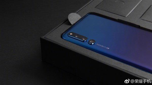 Смартфон-слайдер Honor Magic 2 показан в новом официальном ролике во всей красе
