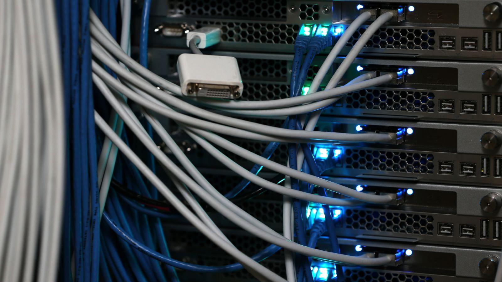 Amazon призывает Bloomberg отказаться от громких заявлений в статье о китайских шпионских модулях в серверах - 1
