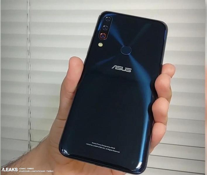 Фотогалерея дня: прототипы смартфона Asus Zenfone 6 – с тройной камерой и каплевидным вырезом