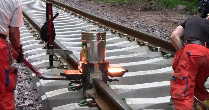 Термитная сварка железнодорожных путей: видео