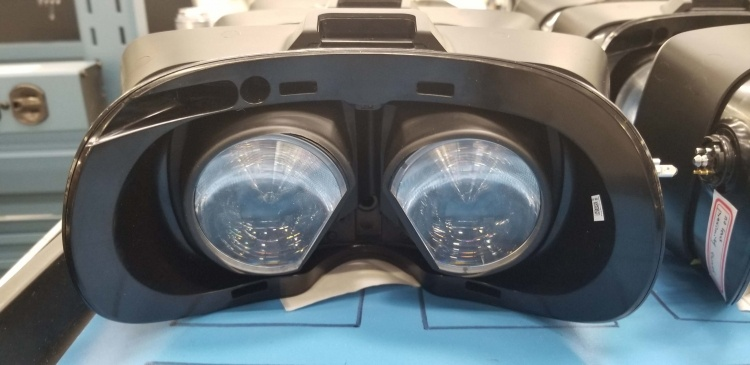 Слухи: снимки собственного VR-шлема Valve и сведения о Half-Life VR