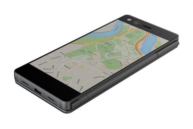 В Россию приехала настоящая экзотика: складной смартфон ZTE Axon M с двумя экранами