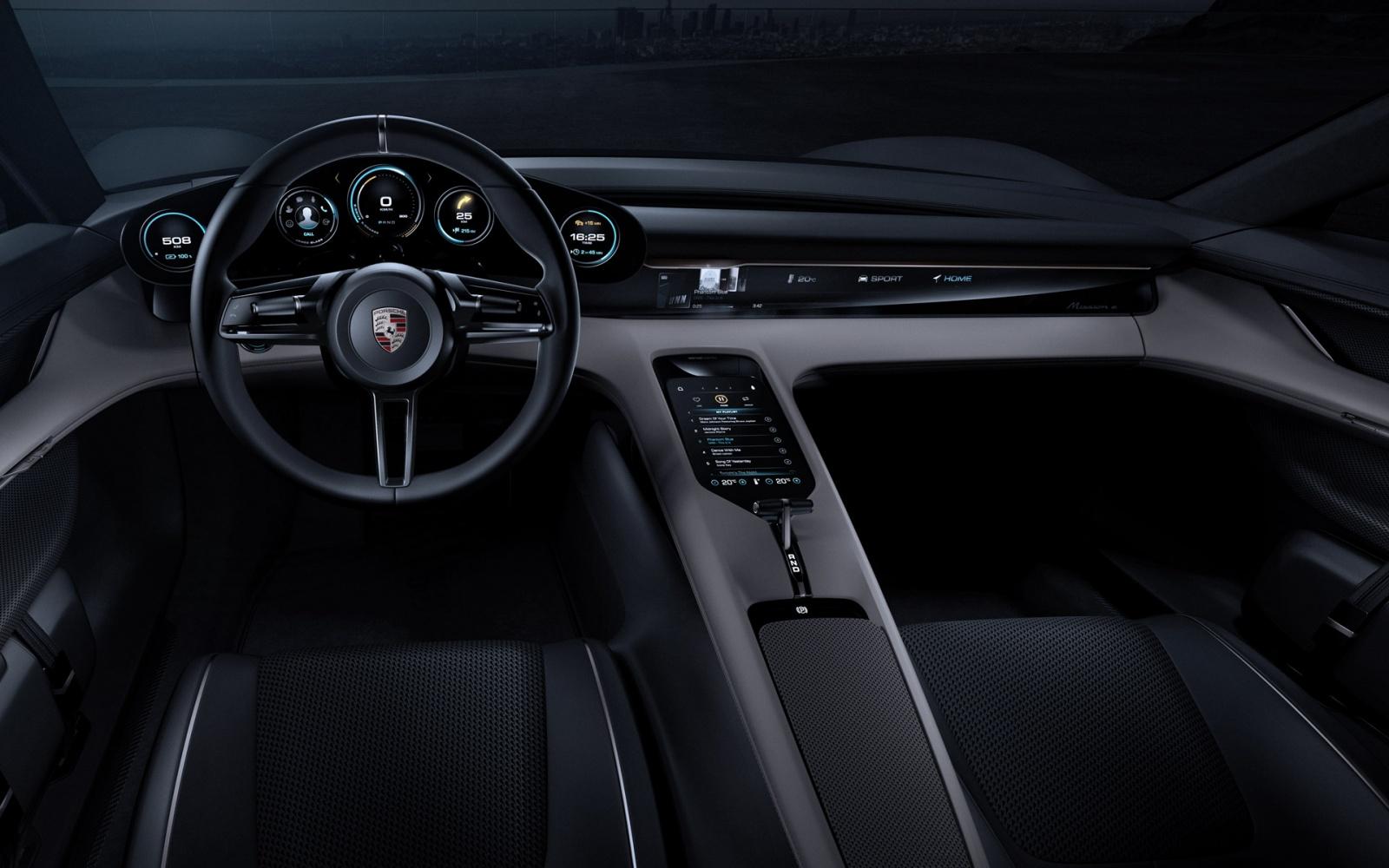 Годовой запас Porsche Taycan уже зарезервирован, в основном владельцами Tesla - 3